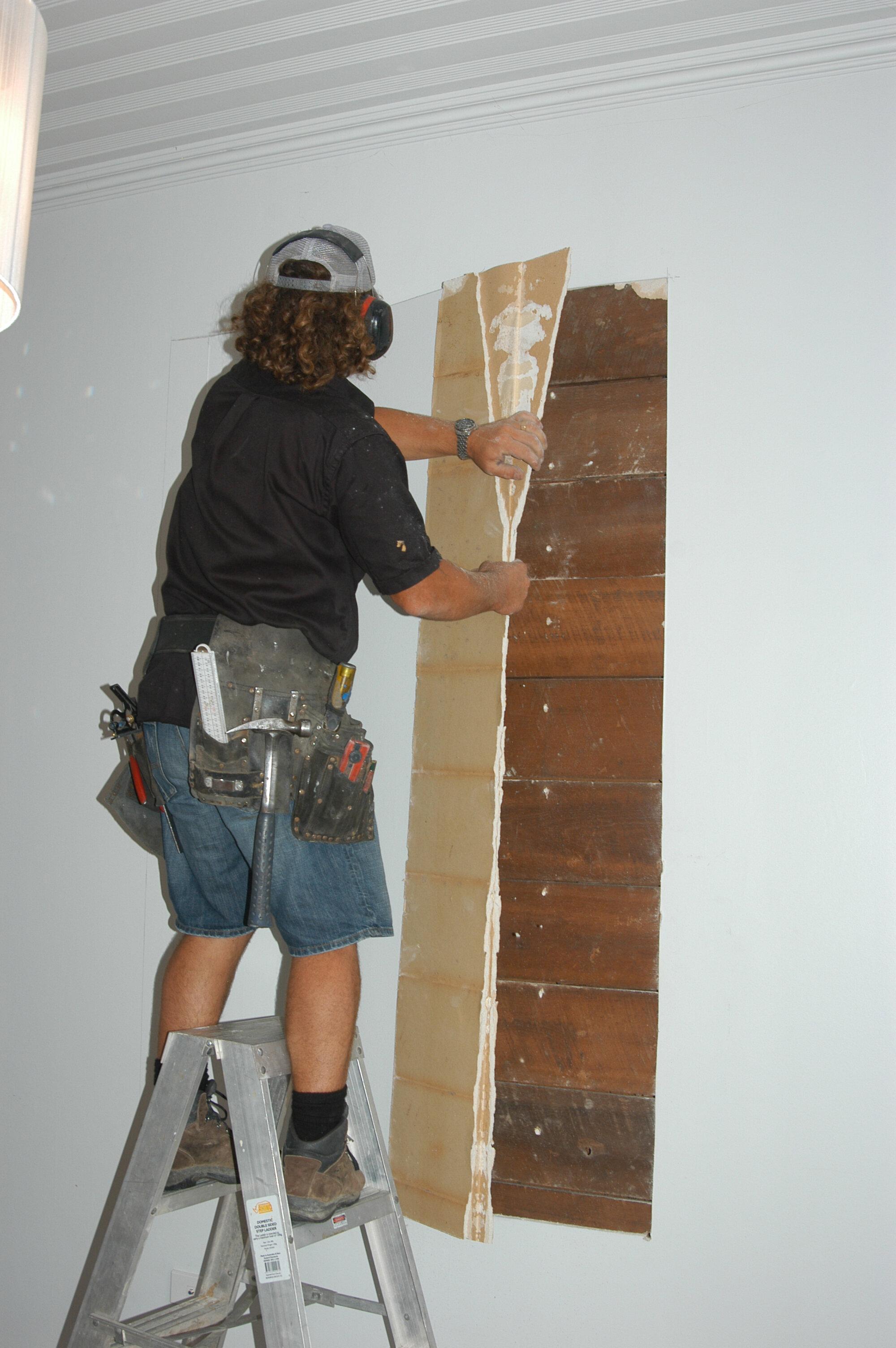 Pull plasterboard off
